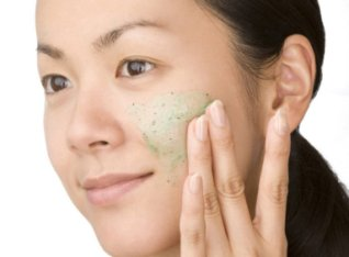 10 Best Face Exfoliators with Natural Scrubs for Oily Skin